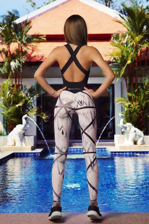 nuotrauka kombinezono Fences iš nugaros- Designed For Fitness