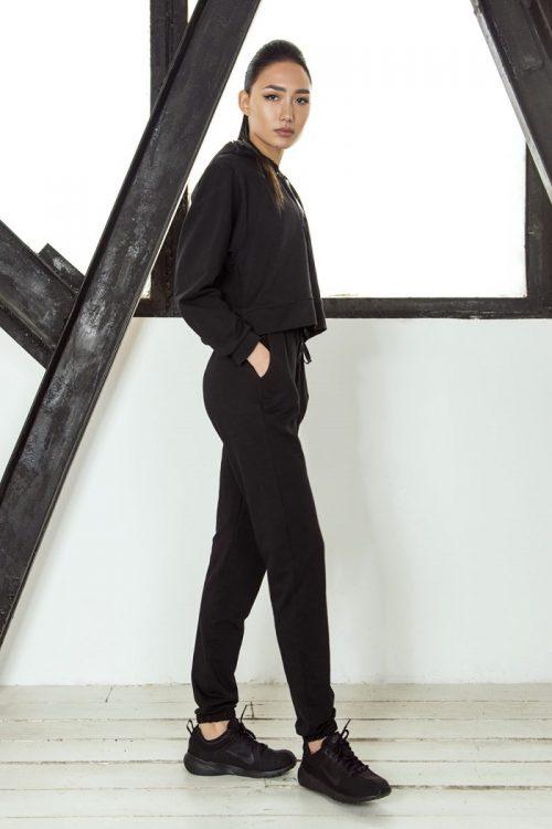 nuotrauka komplekto streetwear Black iš šono - Designed For Fitness