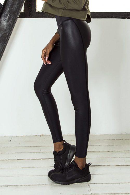nuotrauka tamprių Streetwear Leather iš šono - Designed For Fitness