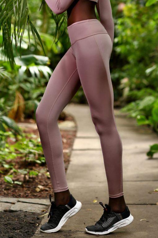 nuotrauka tamprių Pastel Blush iš šono - Designed For Fitness